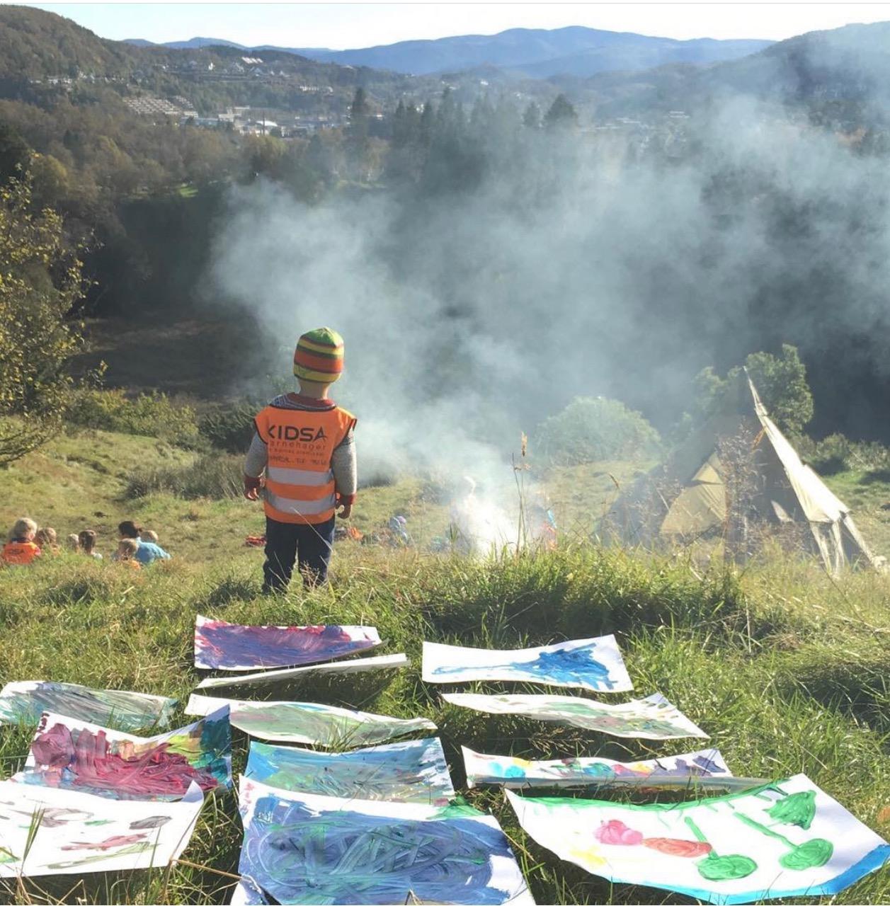 Barn bål kunst